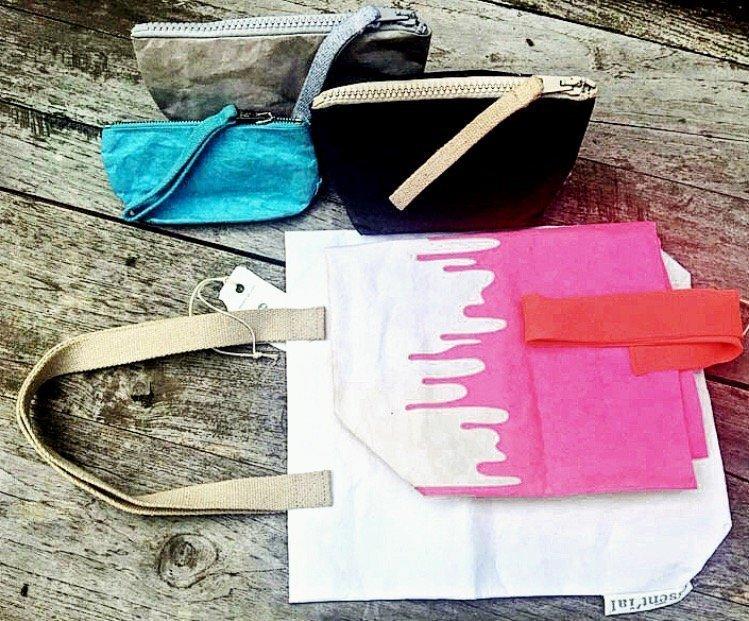 le borse Essent'ial in carta si possono ripiegare e trasportare facilmente
